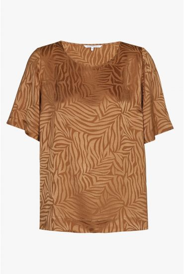 Brown blouse with short sleeves